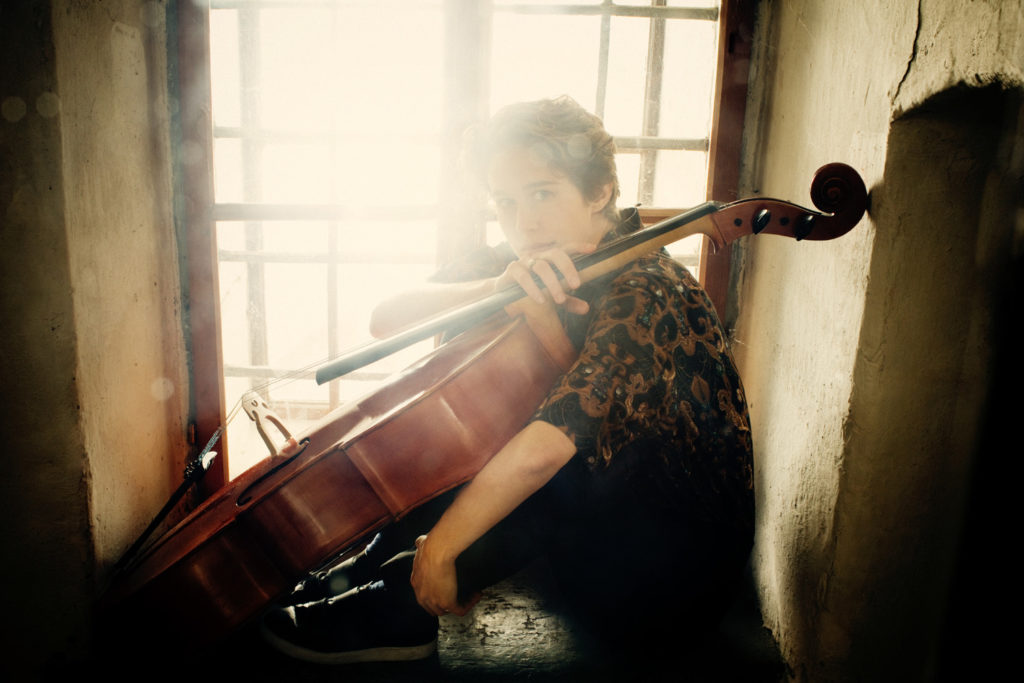 Cellistin Sophie Abraham im Interview
